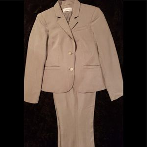 | Like New | Ladies Calvin Klein Two Piece Suit |